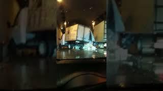 ГАЗель с пивом перевернулась в тоннеле в Сочи. 31 января