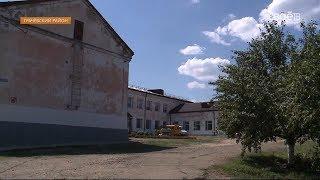 Губернатор Владимир Владимиров поручил решить проблему со школой в хуторе Базовый