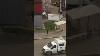 Голый мужчина испугал прохожих в Томске