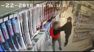 В магазине «Автомир» покупатель напал на продавца-консультанта