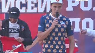 """Футбольный """"Енисей"""" провел встречу с болельщиками перед стартом сезона в Премьер-лиге"""