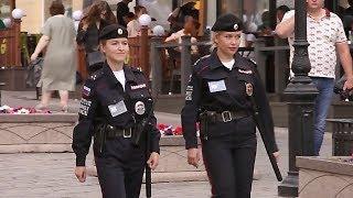 Болельщики Чемпионата мира по футболу - 2018 в восторге от российских полицейских