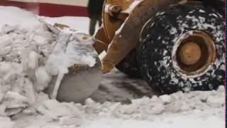 Обильный снегопад сковал дороги Березовского