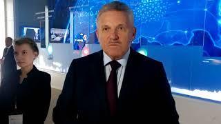 Губернатор Шпорт осмотрел павильон Хабароского края на ВЭФ 2018