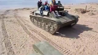 На фестивале в Санкт-Петербурге танк наехал на детей