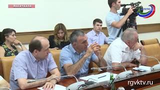 В правительстве республики обсудили готовность школ к новому учебному году