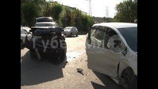 Водитель кроссовера попал в ДТП в Хабаровске из-за боли в спине. Mestoprotv