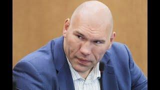 Валуев назвал «убогим финтом» слова Порошенко опобеде Усика