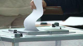 Дольщики-новоселы голосуют на новом избирательном участке