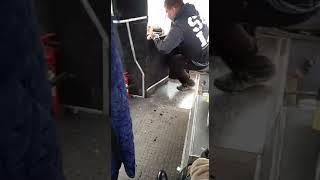 В Комсомольске шлагбаум чуть не убил пассажира автобуса