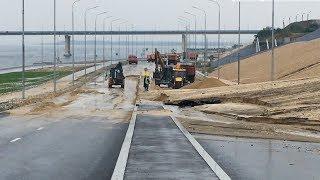 В Волгограде перекрыли размытую ливнем рокадную дорогу