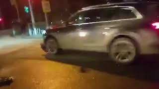 ДТП в Северском районе. Audi врезается в Hover, сбивает ее водителя и уезжает