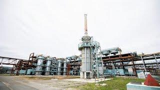 Наталья Комарова посетила завод, который обеспечивает бензином Россию и ближнее зарубежье