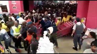 """""""Чёрная пятница"""": в Южной Африке покупатели штурмуют магазины …"""