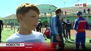 9 - летний Кирилл тренируется наравне со взрослыми спасателями