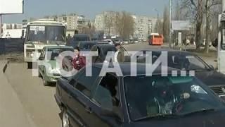 Пробки на кладбища выстроились в Нижнем Новгороде