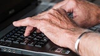 Югорских пенсионеров учат, как не попасть на уловки мошенников