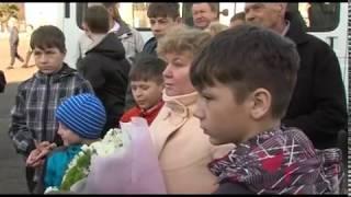 Губернатор Дмитрий Миронов  вручил ключи от микроавтобуса многодетной семье из Рыбинска