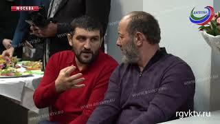 Работы дагестанского художника представили публике в Москве