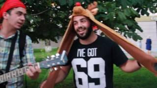 Забавные уличные музыканты в Орле