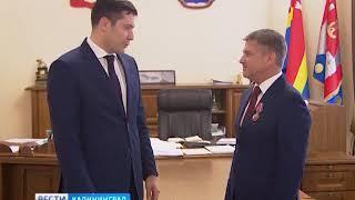 Алиханов наградил Маковского орденом за заслуги перед Калининградской областью