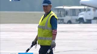 """За взятку верхней одеждой будут судить заместителя директора """"Аэропорты Красноярья""""."""