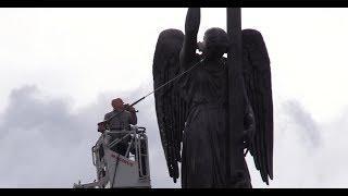 «Ангелам тоже нужна забота людей»: в Петербурге отмывают Александрийский столп. ФАН-ТВ