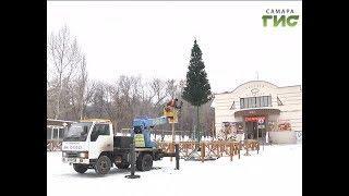 В парке Дружбы устанавливают новогоднюю ель