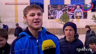 В Цумадинском районе чествовали чемпионов мира по вольной борьбе