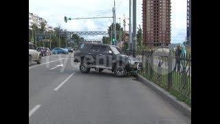 Автомобилистка проехала стоп-линию на красный и спровоцировала ДТП в Хабаровске.