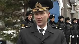 Якорь парусника, затонувшего в Черном море, стал памятником около института в Ростове