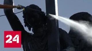 Ангела на Александровской колонне в Петербурге очистили от пыли и грязи - Россия 24