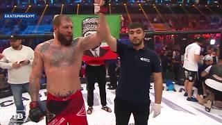 Александр Емельяненко победил Виктора Пешту техническим нокаутом