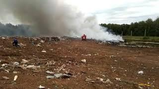 Под Уфой горит мусорная свалка
