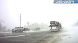 """На федеральной трассе М-5 """"Урал"""" автоинспекторы спасли водителя из снежного плена"""