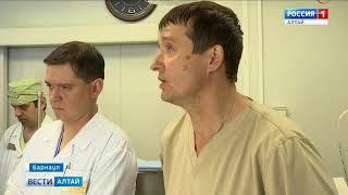 Виктору Томенко показали лечебные учреждения Алтайского края
