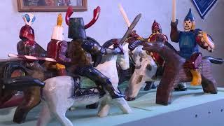 Мастер из Верховажья изготавливает уникальные игрушки и мебель из дерева