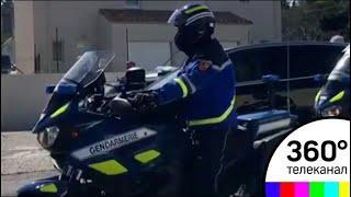 Полиция застрелила напавшего на супермаркет во Франции