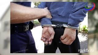 В Хасавюрте задержали работника налоговой службы при получении взятки