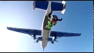 С инвалидной коляски шагнула прямо в бездну: ярославна Елена Савельева совершила  прыжок с парашютом