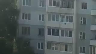 Опасное селфи в Усть-Илимске. Дети-на краю крыши