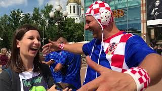 Иностранные болельщики в Калининграде перед матчем Хорватия — Нигерия