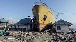 Индонезию снова трясет