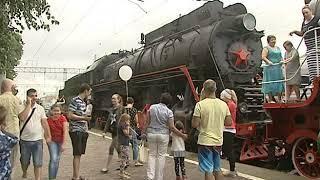 Паровоз с постамента возле железнодорожного вокзала Батайска вышел в рейс