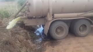 Незаконный слив отходов у села Уварово