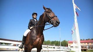 Боярин открывает сезон - в Ханты-Мансийске начались соревнования по конному спорту