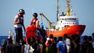 Итальянские суда сопроводят Aquarius с мигрантами к берегам Испании…