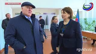 В 7-й столичной школе проголосовал директор ТФОМС Магомед Сулейманов