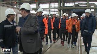 Вернулись к истокам: футболисты «Урала» посетили Уралмашзавод
