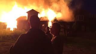 В Осташкове сгорели шесть домов и две постройки